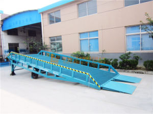 6 Ton Mobile Hydraulic Loading Ramp (DCQY6-0.8) pictures & photos