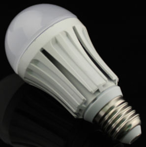 PC+ Flameresistant Plastic+ Global Lamp LED Bulb Light pictures & photos