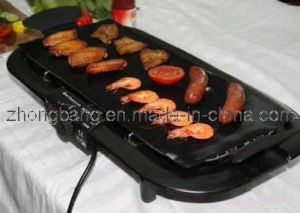 Non Stick BBQ Grill Sheet, 50*40 Oil Prevent Cooking Mat pictures & photos