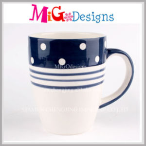 Newly Personalized Fashionable Porcelain Mugs for Gifts pictures & photos