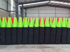Green Color PVC Road Cone pictures & photos