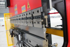 Large Tandem Press Brake, Hydraulic Bending Machine with CNC Controller pictures & photos