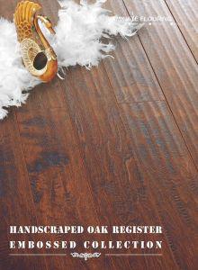 Handscraped Oak Laminate Flooring pictures & photos