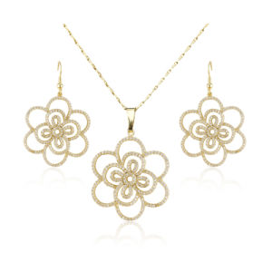 Gold Micro Pave Zirconia Big Flower Design Charm Bridal Jewelry Set pictures & photos