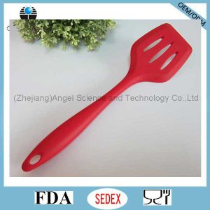 Non-Stick Silicone Cookware Silicone Slotted Spatula for Kitchen Ss11 pictures & photos