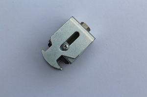 05custom Hardware Auto Metal Stamping Spare Parts pictures & photos