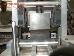 Ultrasonic Label Angle Cutting Machine (ALC-108) pictures & photos