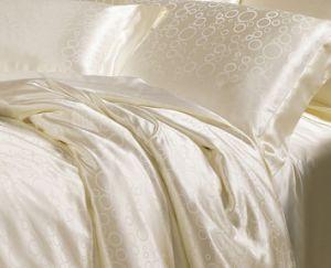 Taihu Snow Oeko-Tex Quality Seamless Sheet Comforter Set Bedding Set Bed Linen pictures & photos