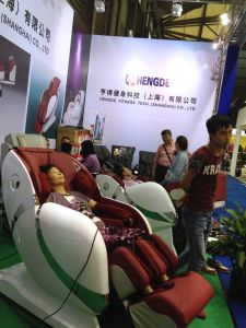 2017 Hengde New Model L-Track Whole Body Massage Chair pictures & photos