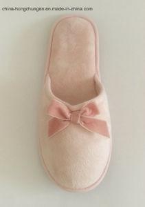 Elegant Flat Ladies Daily Use Soft Indoor Slipper pictures & photos