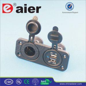 Daier 12-24V Mini Car Dual USB Power Socket Splitter (DS5-1011-2013) pictures & photos