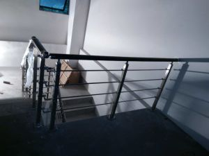 Family Decoration Materials 304 Stainless Steel Stairs Handrail pictures & photos