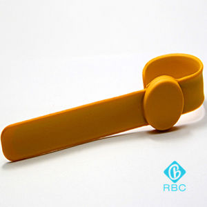 Custom RFID Pat-Bracelet Slap/Clap Silicone Smart Wristband for ID/IC Tracking pictures & photos