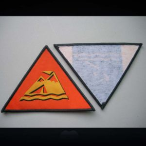 Triangle Shape Damask Quality Overlocking Woven Badge pictures & photos