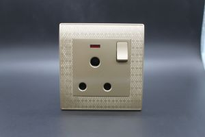 High Quality PC 1 Gang 15A Switched Socket pictures & photos