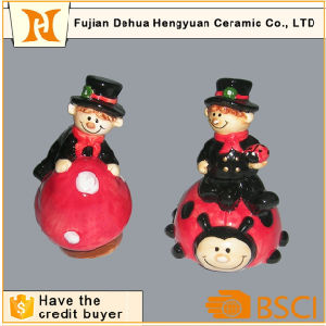 Small Chimney People Ceramic Gift Hand Craft pictures & photos