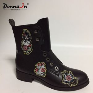 2017 Casual Embroidering Diagram Women Flats Shoes Lady Boots Footwear pictures & photos