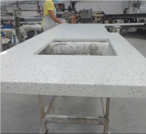 Carrara White Engineered Quartz Stone Countertop pictures & photos