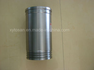 Cylinder Liner/Sleeve for Komatsu 4D95 6D95 S4d95 (OEM 6207-21-2110/6207-21-2121) pictures & photos