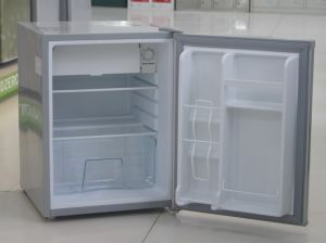 Compact Refrigerator with 80L Capacity pictures & photos