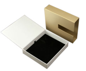 High Quality Gold Colour Jewelry Box with Black Velvet Tray (YY-J0002) pictures & photos