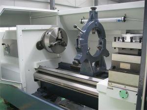 Metal Lathe China Heavy Duty CNC Lathe Machine (CK6163E) pictures & photos