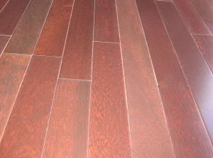 Red Color Solid Kempas Wooden Flooring (SW-6825)