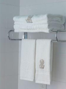 Dobby Border Towel with Embroidered Logo pictures & photos
