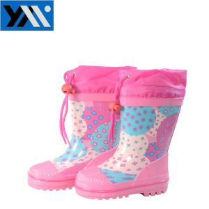 Pink Flower Print Textile Collar Children Waterproof Natural Rubber Rainboots High Quality Wellingtons New Design Wellies Shoes for Kids Footwear with Lace pictures & photos
