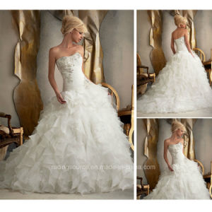 Modern Embroidary Beading Layer Pleating Ball Gown Wedding Dress pictures & photos