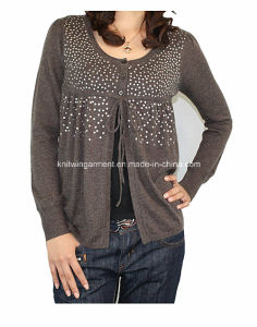 Women Knitted Round Neck Fashion Clothes with Buttons (12AW-070)