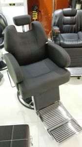 Newest Strong and Spacious Barber Chair (MY-8660) pictures & photos