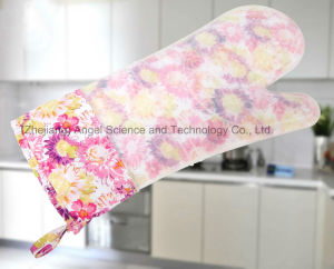 Heat Insulation Long Silicone Rubber Glove for Baking Sg19 pictures & photos