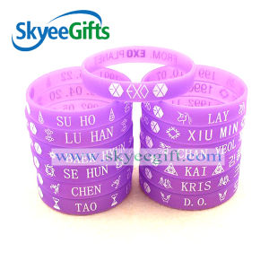 Customized Glowing Silicone Wristband for Star′s Fans pictures & photos