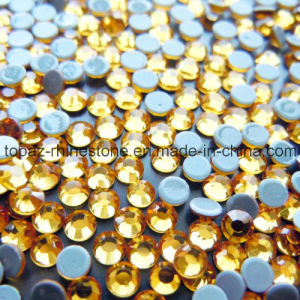 Free Sample Various Colors Hot Fix Rhinestone for Clothes (SS16 Topaz/4 grade) pictures & photos