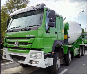 HOWO-7 8X4 371HP Concrete Mixer Truck pictures & photos