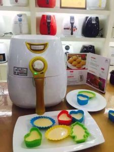 Direct Cooking Oil Free Airfryer (A168-2) pictures & photos