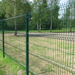 Made in China PVC Coated Welded Wire Fence Panels pictures & photos