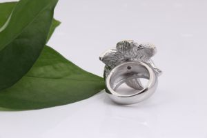 Stainless Steel Fashion Flower Gold Rings for Women pictures & photos