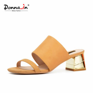 Lady Casual Flip Flops Women Chunky Heels Leather Sandals (DDP) pictures & photos