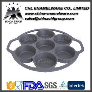 Reusable Heart Shape Cast Iron Divider Bakeware Mould for Cupcakes pictures & photos