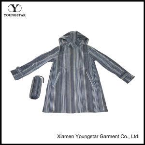 Packable Long Raincoat Mens Water Repellent Rain Jacket pictures & photos