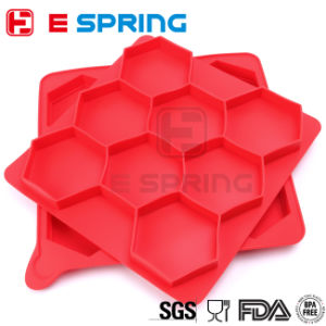 Eco-Friendly Non-Stick Dishwasher Safe BPA Free Regular Hexagon Shaped 8 in 1 Silicone Burger Press Mold pictures & photos