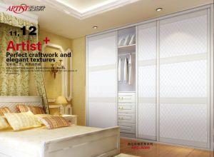 Melamine Series Wardrobe Sliding Door (yg-002) pictures & photos