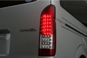 High Qunlity 12V LED Tail Light for Toyata Hiace pictures & photos