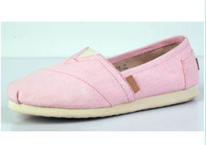 OEM Design Women′s Flat Casual Shoe pictures & photos