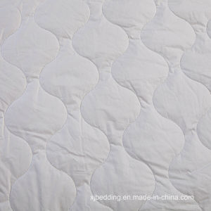 Hot Selling Cotton Quilted Mattress Cover Bed Protector pictures & photos