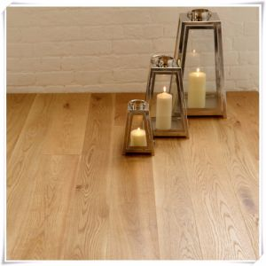 Light Grey Color Oak Engineered Laminate Wood Flooring pictures & photos