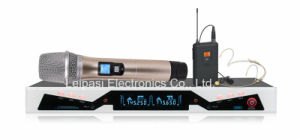 UHF Wireless Microphone System Handheld Microphone and Receiver pictures & photos