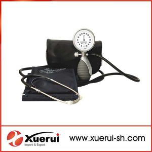 Deluxe Palm Aneroid Sphygmomanometer with Stethoscope pictures & photos